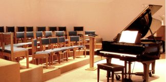 Grand Piano on stage-1467447 Image credit Freeimages.com/Peter Skadberg)