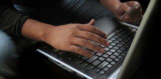 SalesforceIQ for Outlook, helping salespeople efficiency, Image credit Freeimages.com/miguel ugalde