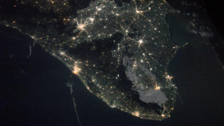 India by night (Image credit : NASA)