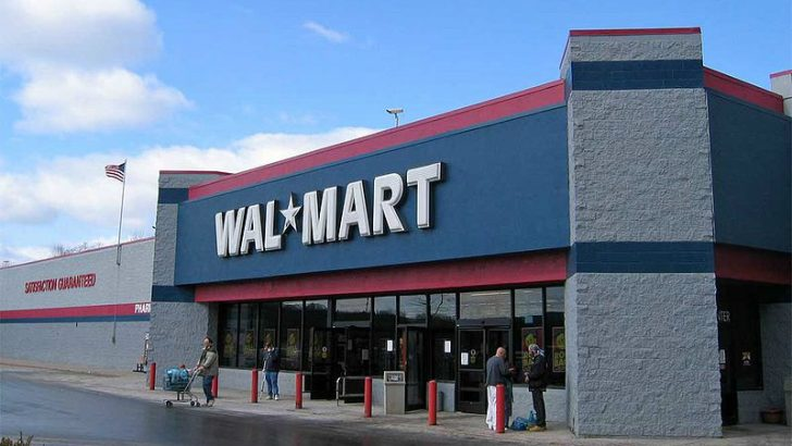 Wal-Mart : By see Image talk:Walmart exterior.jpg This file was made by User:Sven Translation If this image contains text, it can be translated easily into your language. If you need help, contact me Flexible licenses If you want to use this picture with another license than stated below, contact me Contact the author If you need a really fast answer, mail me. If you need only a fast answer, write me here. [GFDL (http://www.gnu.org/copyleft/fdl.html) or CC-BY-SA-3.0 (http://creativecommons.org/licenses/by-sa/3.0/)], via Wikimedia Commons