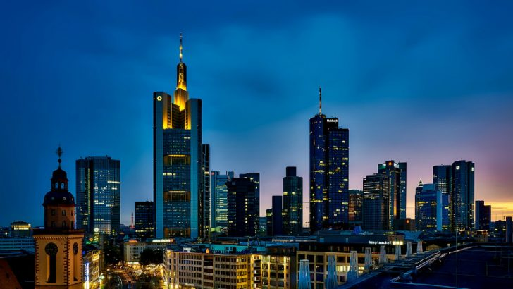 Frankfurt, Germany (Image source pixabay/tpsdave)