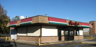 Papa Ginos, Bedford, MA By John Phelan (Own work) [CC BY 3.0 (http://creativecommons.org/licenses/by/3.0)], via Wikimedia Commons