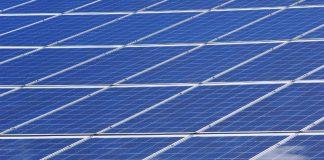 Solar panels (https://pixabay.com/en/photovoltaic-photovoltaic-system-2138994/)
