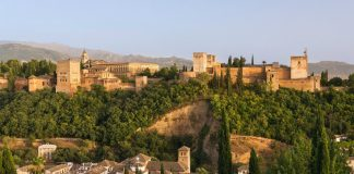 Alhambra fortress, Granada, Spain (Image source Pixabay/Wikimediaimages