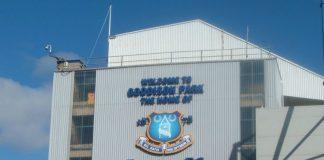 Everton FC : Goodison Park By Nsno1878 at English Wikipedia [Public domain], via Wikimedia Commons