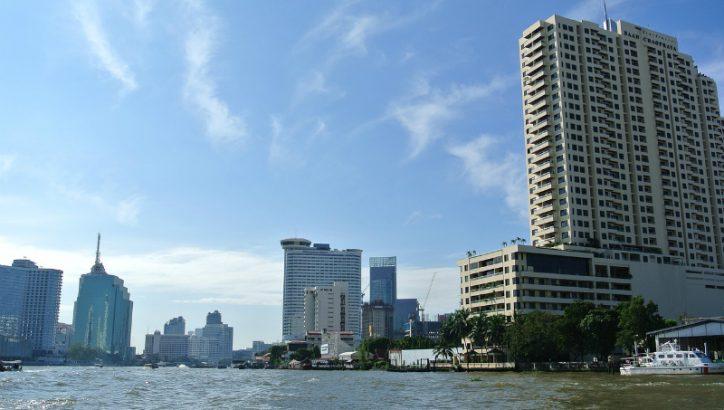 Bangkok (https://pixabay.com/en/bangkok-river-thailand-ship-water-2412000/)