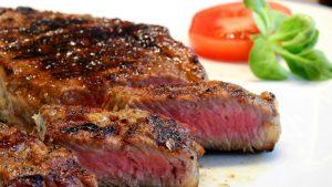 Steak (https://pixabay.com/en/steak-meat-beef-eat-food-2272464/)