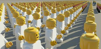Crowd Lego Pixabay/mwewring