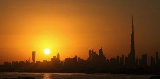 Dubai (https://pixabay.com/en/night-dubai-sunset-2295094/)
