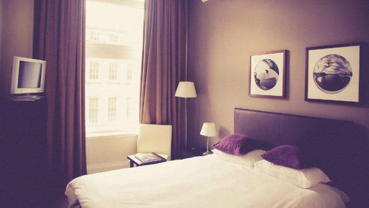 hotel room Image credit PIxabay/stocksnap