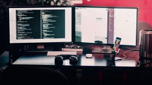 Pete Pickerill talks about bringing databases into DevOps (Image Credit: Pixabay / Free-Photos)