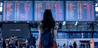 airport raveller image credit pixabay/JESHOOTScom