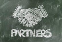 shaking hand partner image credit pixabay/geralt