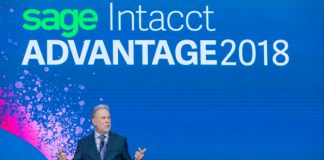 Rob Reid on stage at Sage Intacct Advantage (IMage credit Johnny Cooker) (c) 2018 Sage intacct