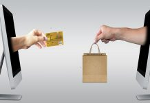 US consumers love online shopping. Hate complex carts. (Image: Pixabay, Mediamodifier)