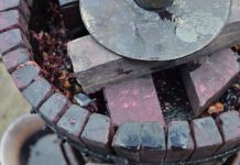 Grape press image credit Pixabay/Galila-Photo