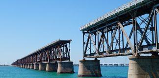 railway-bridge : image sauce - pixabay.com/Karen282