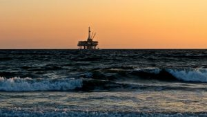 Oil Rig (Image CRedit Catmoz)