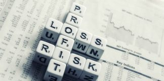 dices risk financial services Image credit Pixabay/FreeGraphicToday