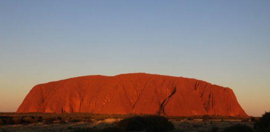 Uluru Ayers Rock : Image by Petra62 from Pixabay