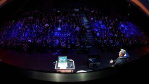 Talking AI and cloud at NIC 20/20 vision (Image Credit: Ard Jongsma / Still Words Photography)