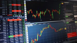 Tips for choosing a trading broker in the UK -image credit - Csaba Nagyfrom Pixabay